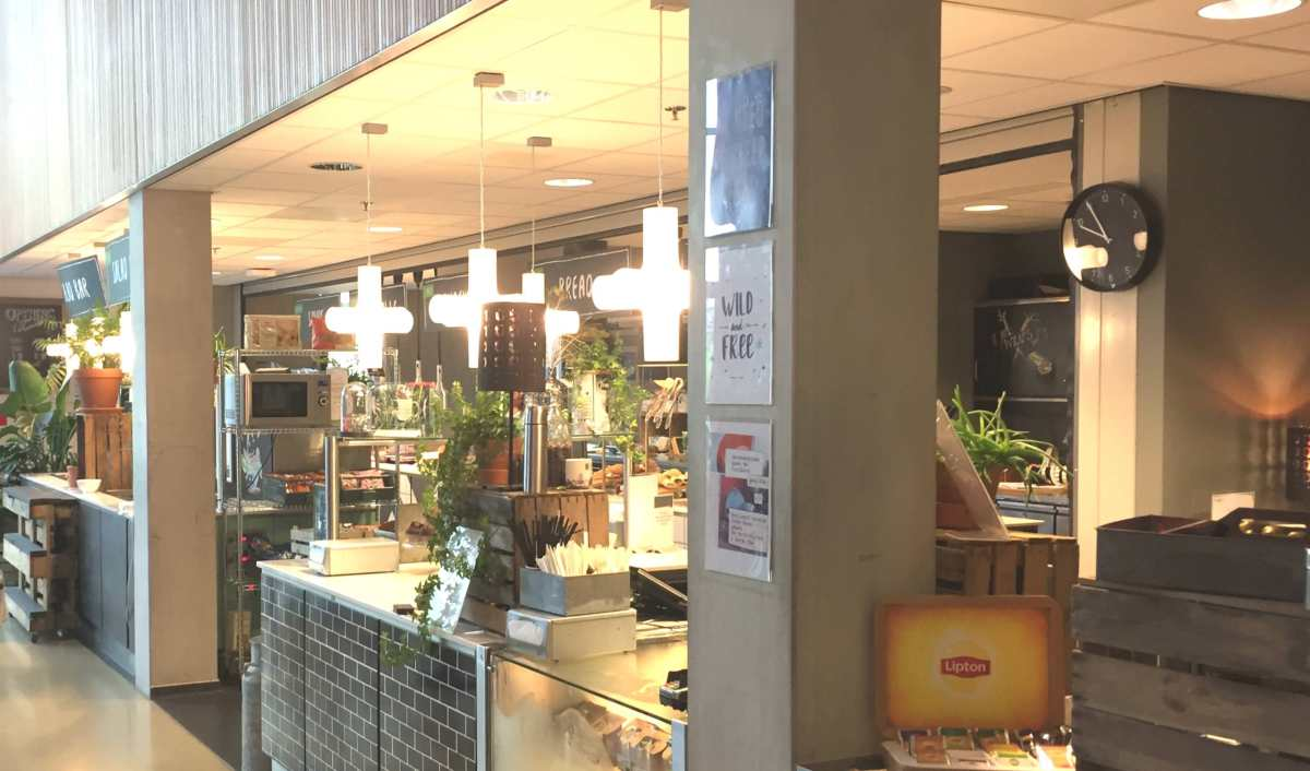 Self-service at AUC's Canteen threatens to Disappear due to Theft